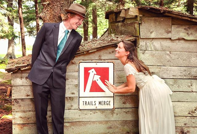 Trails mergin in the great state of Maine? Consider me on your wedding day! #lovebylunasolo #weddingphotography #weddingphotographer #weddingday #weddingwire