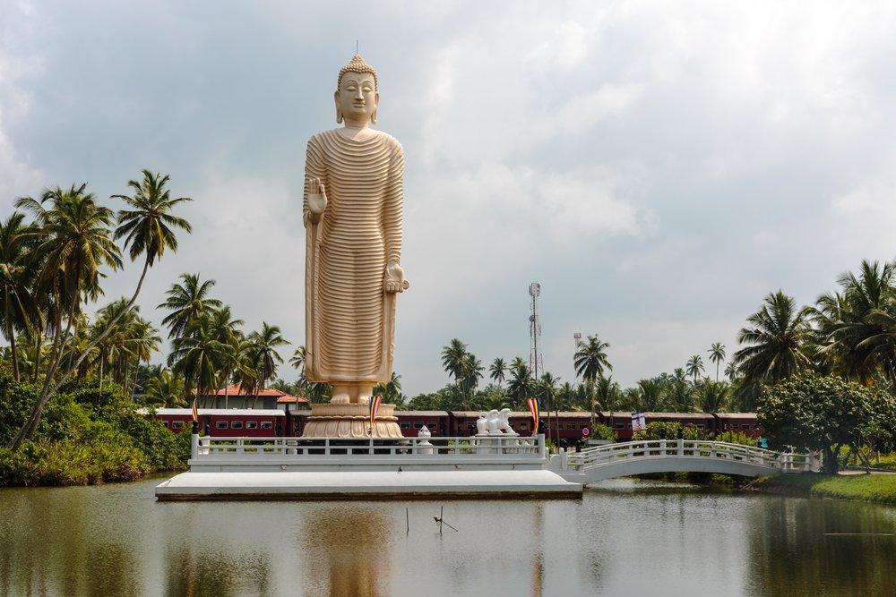 Sri Lanka Tsunami statue
