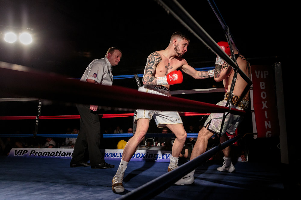 Lewis Sylvester working his opponent