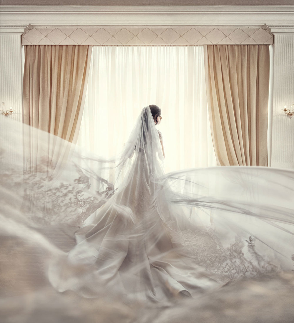 Veil shot during bride prep