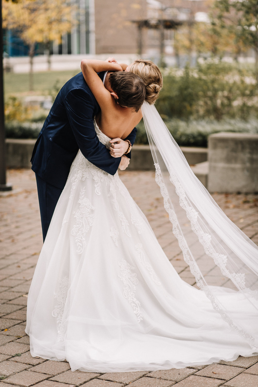billie-shaye-style-photography-www.billieshayestyle.com-fall-city-wedding-louisville-kentucky-2063.jpg