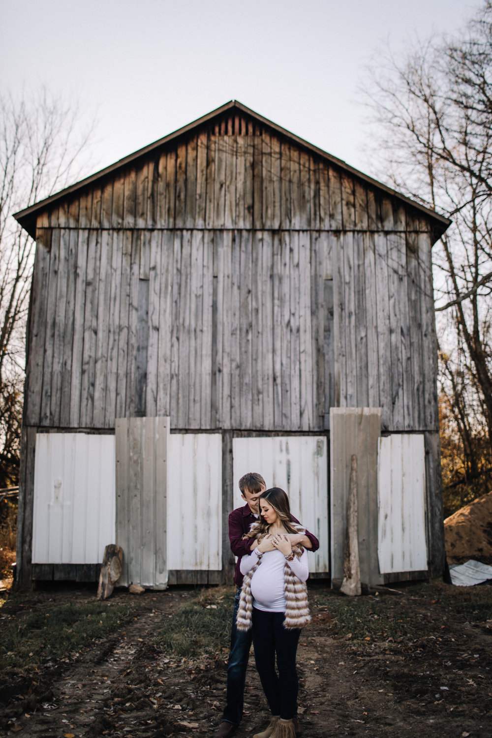billie-shaye-style-photography-www.billieshayestyle.com-fall-farm-maternity-session-nashville-tennessee-8993.jpg