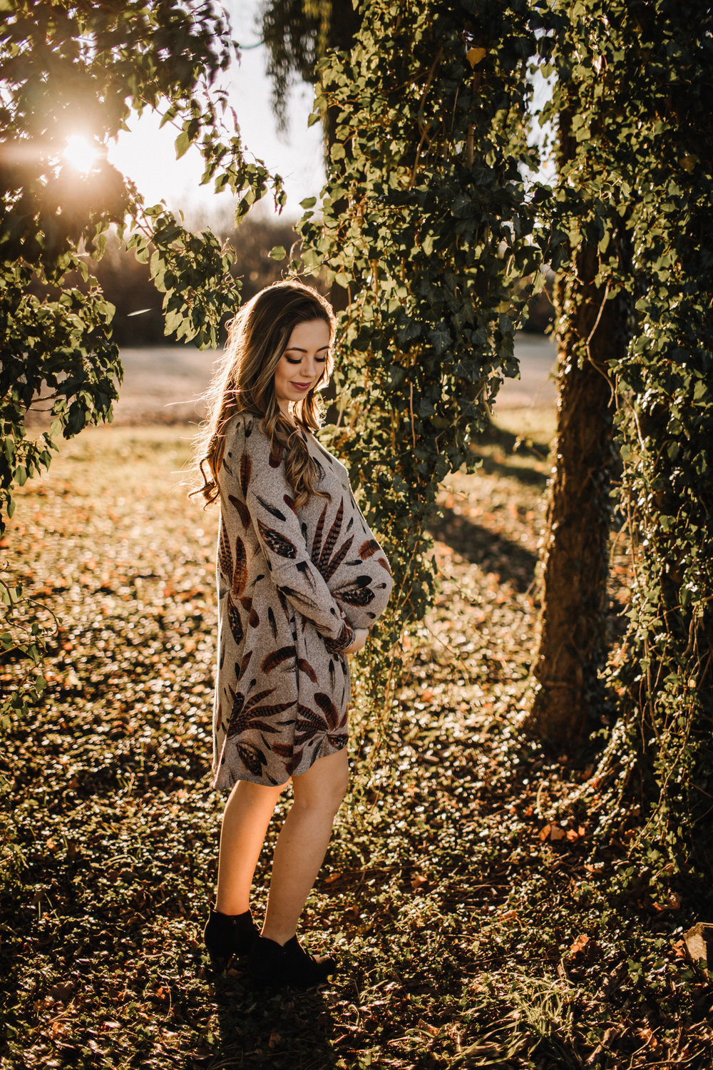 billie-shaye-style-photography-www.billieshayestyle.com-fall-farm-maternity-session-nashville-tennessee-9322.jpg