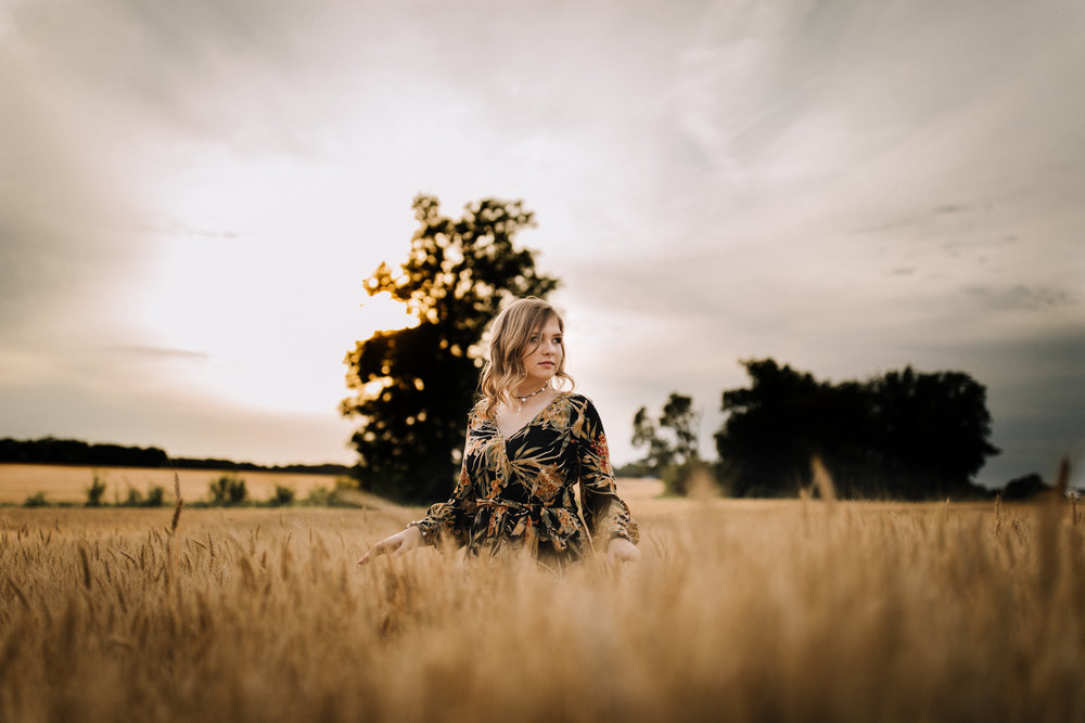 billie-shaye style photography - www.billieshayestyle.com - class of 2019 - senior portrait experience - country farm creek crop land - nashville tennessee-4161.jpg