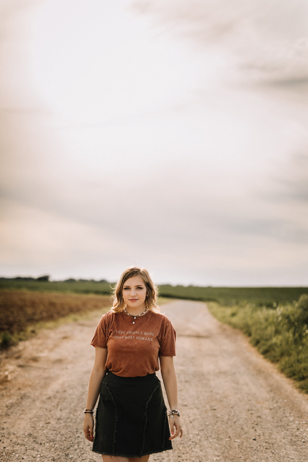billie-shaye style photography - www.billieshayestyle.com - class of 2019 - senior portrait experience - country farm creek crop land - nashville tennessee-3924.jpg