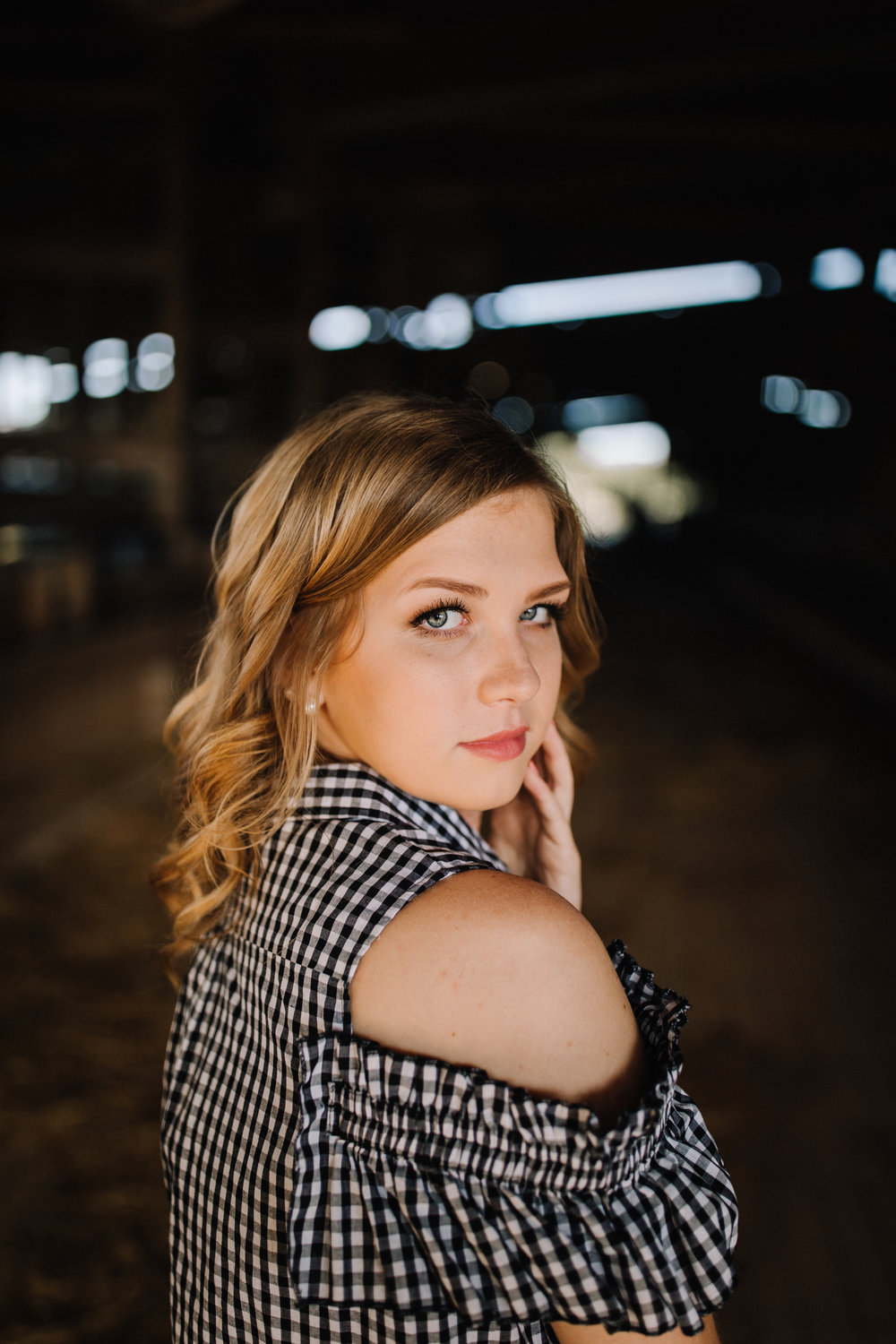 billie-shaye style photography - www.billieshayestyle.com - class of 2019 - senior portrait experience - country farm creek crop land - nashville tennessee-3698.jpg