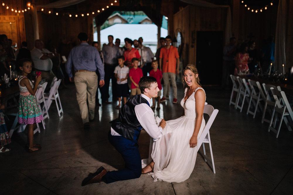 billie-shaye style photography - www.billieshayestyle.com - elkins grove wedding venue - modern classy summer outdoor wedding - bowling green kentucky-3528.jpg