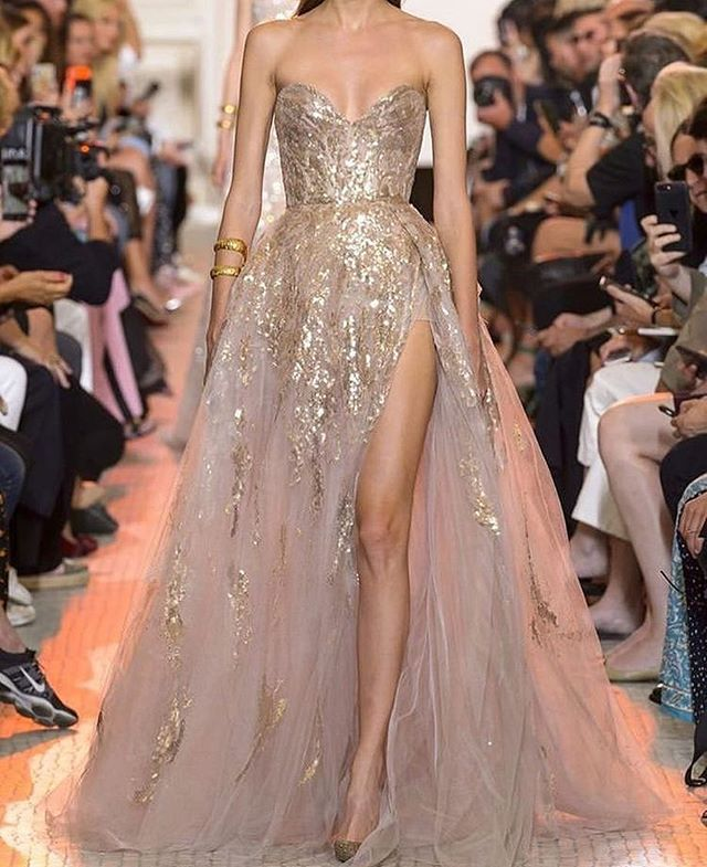💕 @eliesaabworld and sparkles for #coutureweek and #awardseason what have been your fav dresses so far?