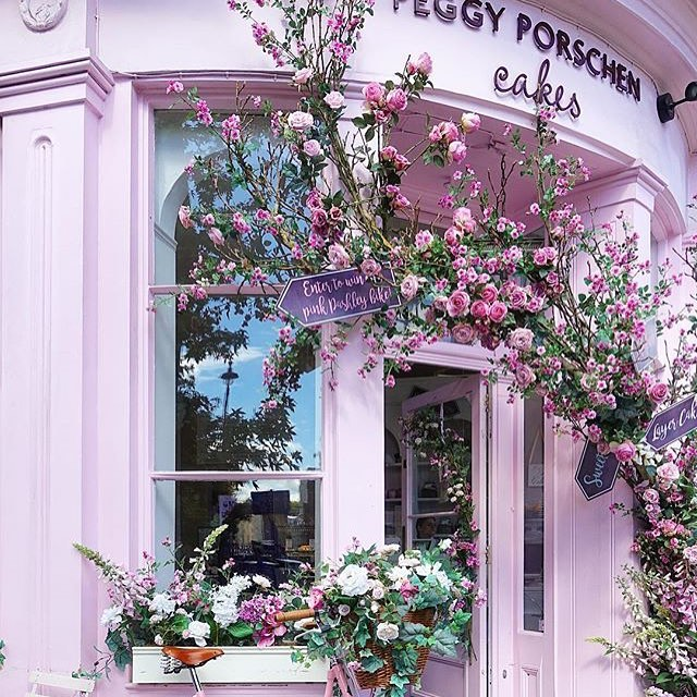 How pretty is this entrance?