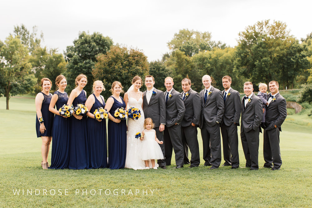 La-Crosse-Country-Club-Wedding-Minnesota-Wedding-Photographer-17.jpg