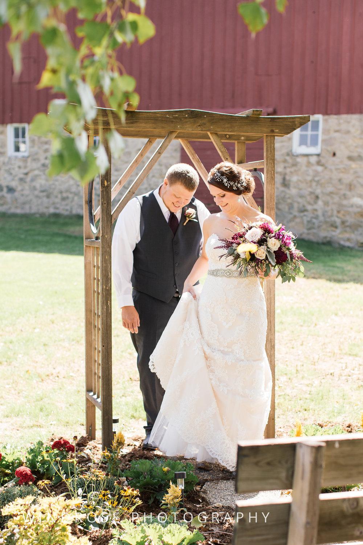 Zumbrota-Country-Wedding-Minnesota-Wedding-Photographer-10.jpg