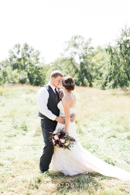Zumbrota-Country-Wedding-Minnesota-Wedding-Photographer-13.jpg