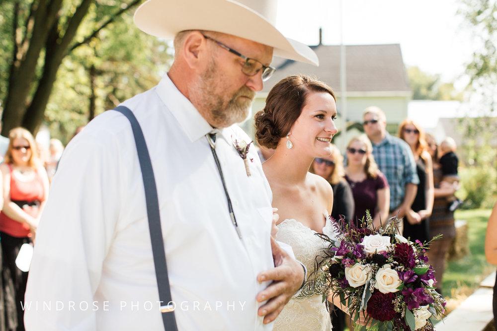 Zumbrota-Country-Wedding-Minnesota-Wedding-Photographer-23.jpg