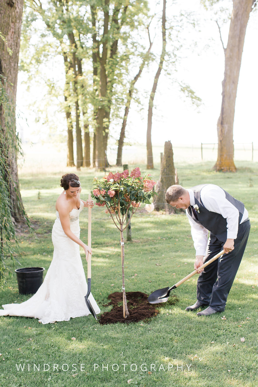 Zumbrota-Country-Wedding-Minnesota-Wedding-Photographer-27.jpg