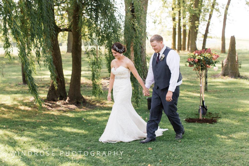 Zumbrota-Country-Wedding-Minnesota-Wedding-Photographer-28.jpg