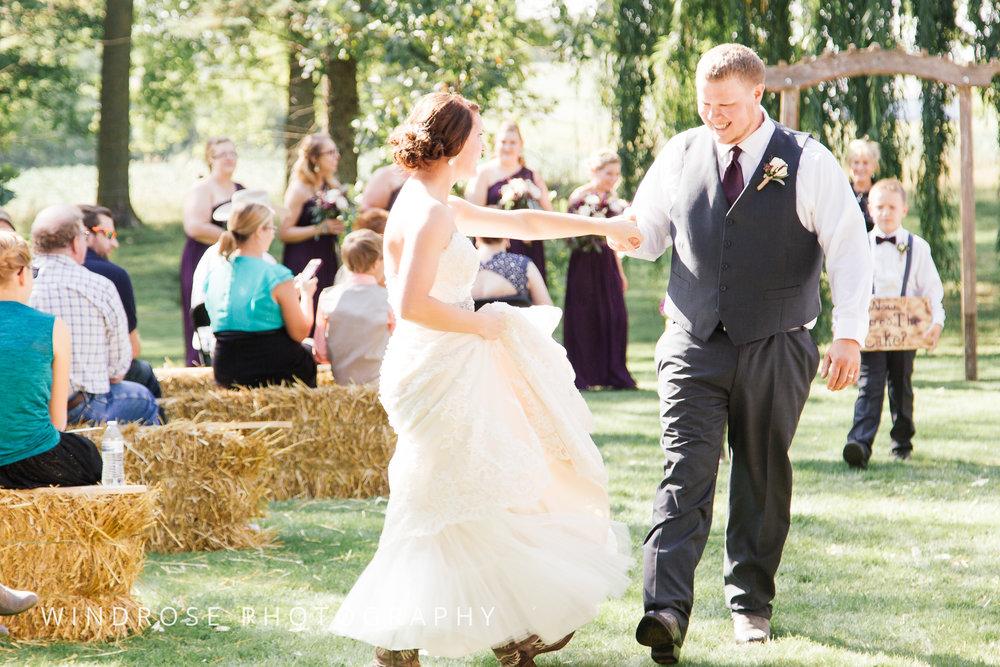 Zumbrota-Country-Wedding-Minnesota-Wedding-Photographer-30.jpg
