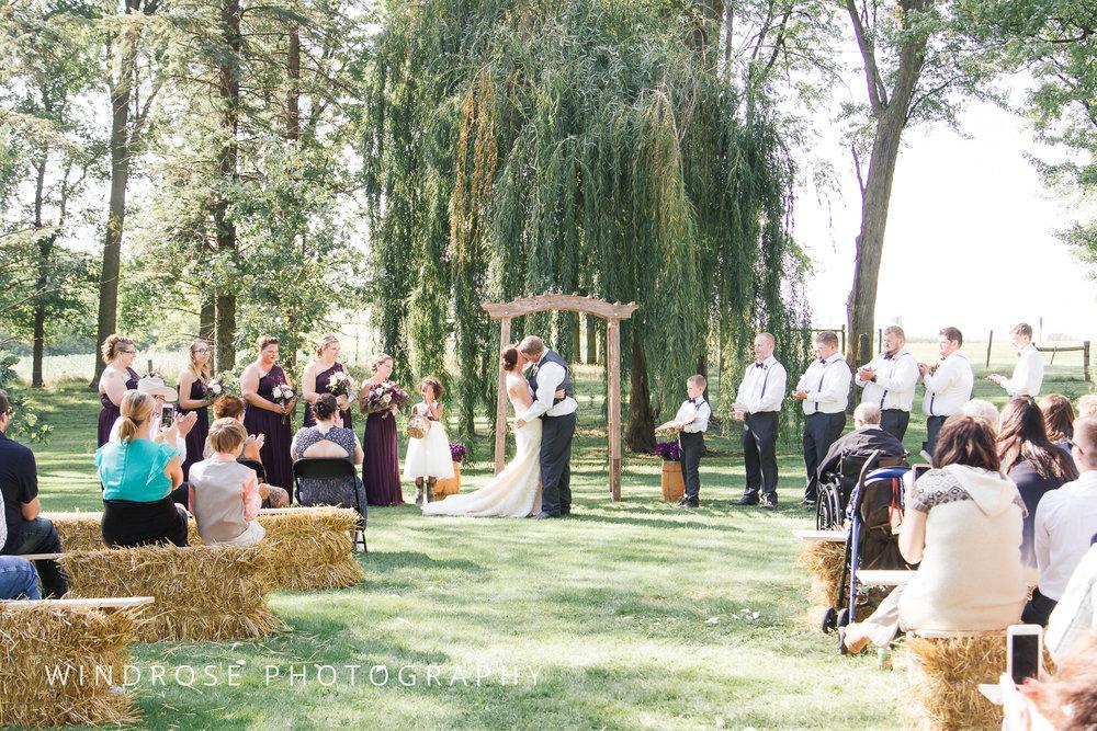 Zumbrota-Country-Wedding-Minnesota-Wedding-Photographer-29.jpg