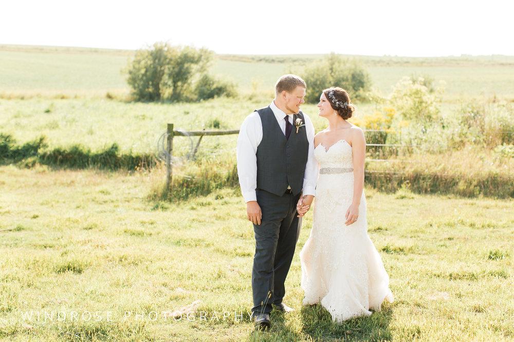 Zumbrota-Country-Wedding-Minnesota-Wedding-Photographer-33.jpg
