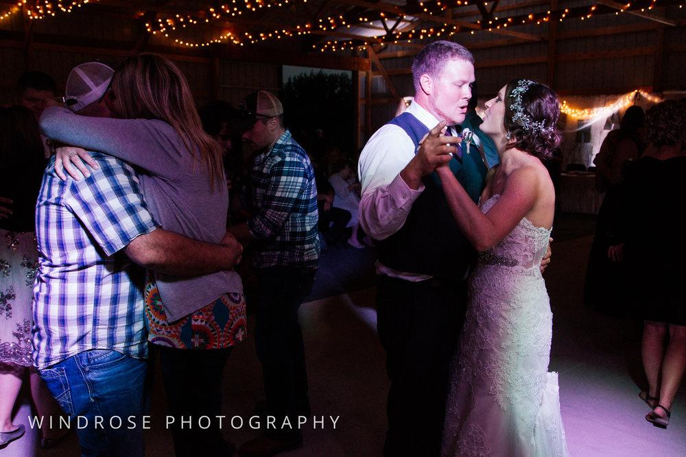 Zumbrota-Country-Wedding-Minnesota-Wedding-Photographer-43.jpg