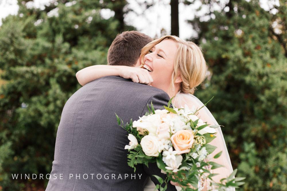 Albert-Lea-Edgewater-Bay-Pavilion-Minnesota-Wedding-Photographer-7.jpg