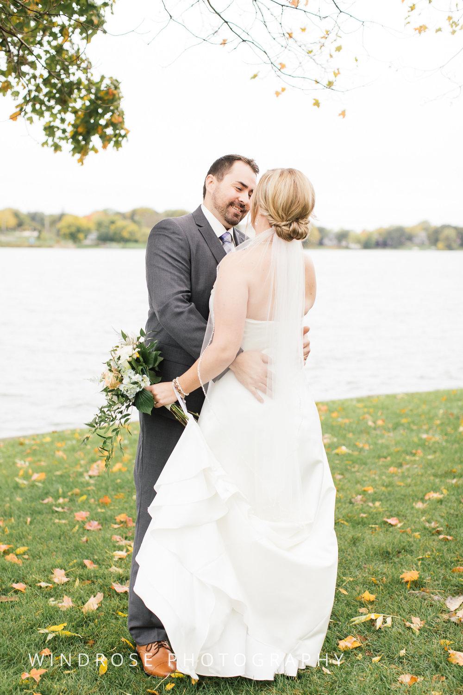 Albert-Lea-Edgewater-Bay-Pavilion-Minnesota-Wedding-Photographer-8.jpg