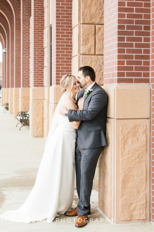 Albert-Lea-Edgewater-Bay-Pavilion-Minnesota-Wedding-Photographer-13.jpg