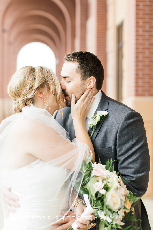 Albert-Lea-Edgewater-Bay-Pavilion-Minnesota-Wedding-Photographer-14.jpg