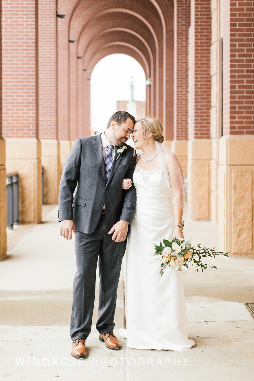 Albert-Lea-Edgewater-Bay-Pavilion-Minnesota-Wedding-Photographer-18.jpg