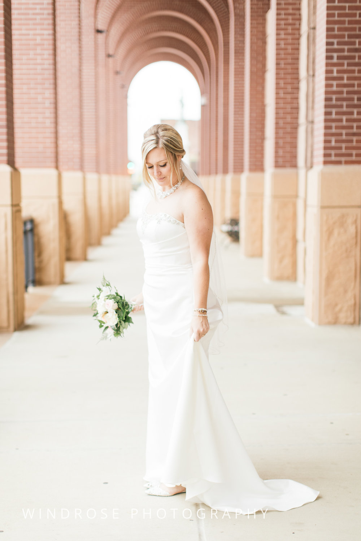 Albert-Lea-Edgewater-Bay-Pavilion-Minnesota-Wedding-Photographer-21.jpg