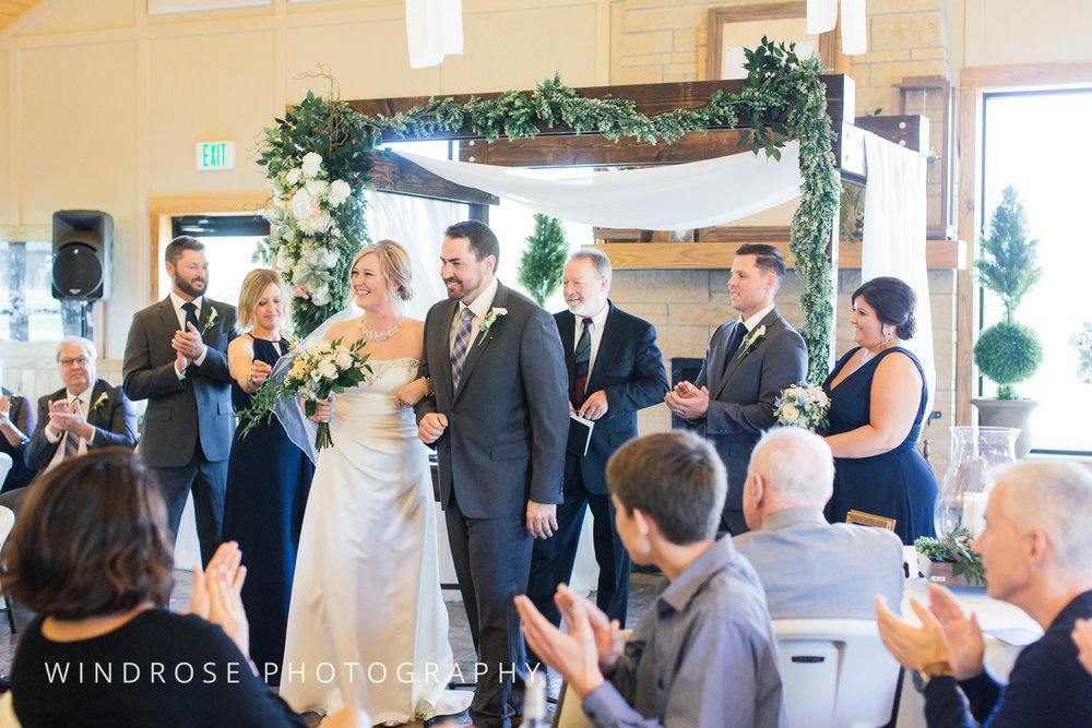 Albert-Lea-Edgewater-Bay-Pavilion-Minnesota-Wedding-Photographer-28.jpg