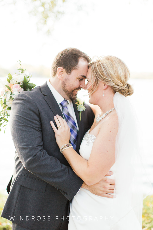 Albert-Lea-Edgewater-Bay-Pavilion-Minnesota-Wedding-Photographer-30.jpg