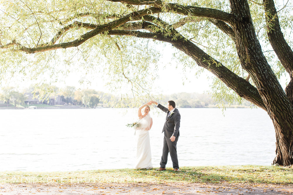 Albert-Lea-Edgewater-Bay-Pavilion-Minnesota-Wedding-Photographer-29.jpg