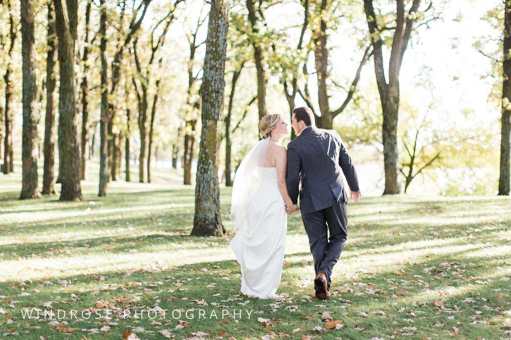 Albert-Lea-Edgewater-Bay-Pavilion-Minnesota-Wedding-Photographer-32.jpg