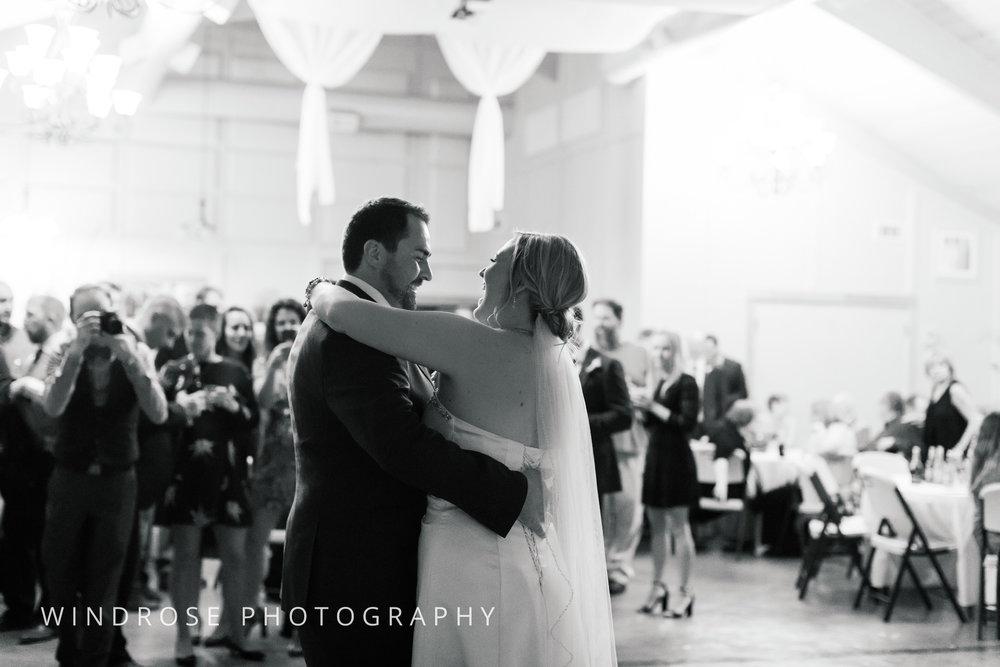 Albert-Lea-Edgewater-Bay-Pavilion-Minnesota-Wedding-Photographer-35.jpg