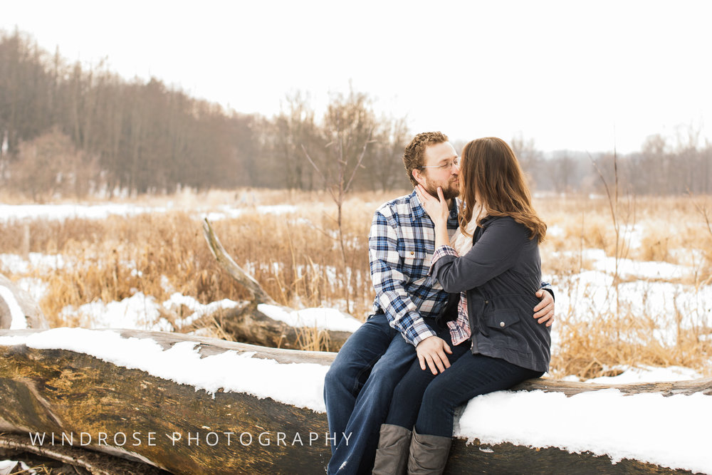 Quarry-Hill-Winter-Engagement-Photo-Session-13.jpg