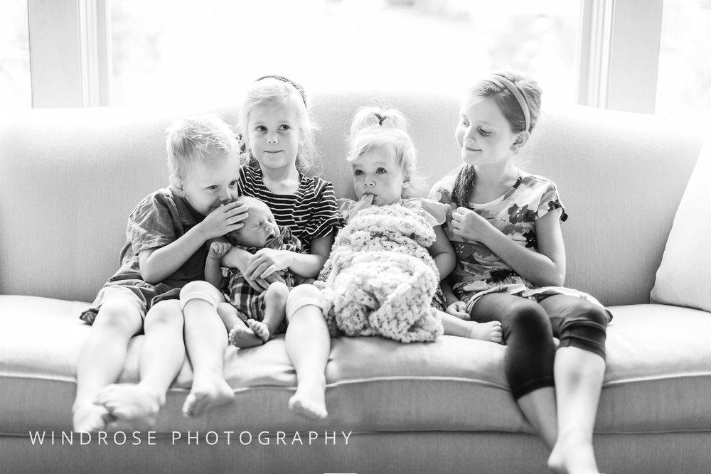 Newborn-Portraits-Rochester-MN-B&W-4.jpg