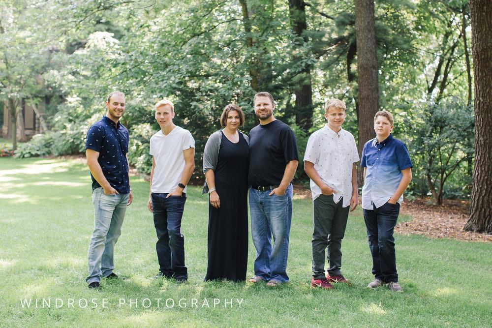 Family-Portrait-Rochester-MN-Plummer-House-6.jpg