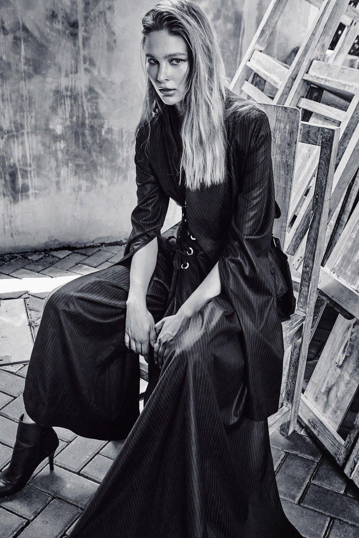 Vina Lilliana Collection.  Photography, Rui Liang @lightspade_studio
