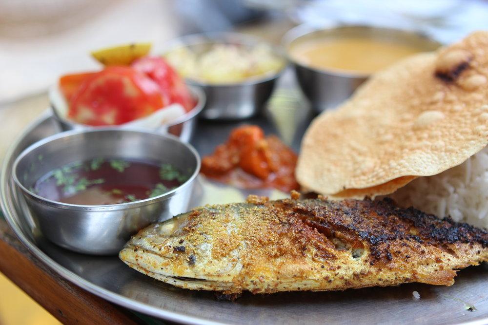 The fish thali at Moonlight (Vagator).