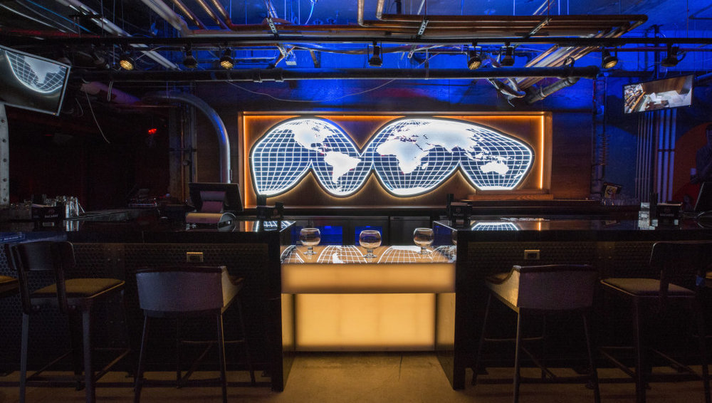 It's always shaken, not stirred at this Chicago spy bar - MapQuest Travel, 2017