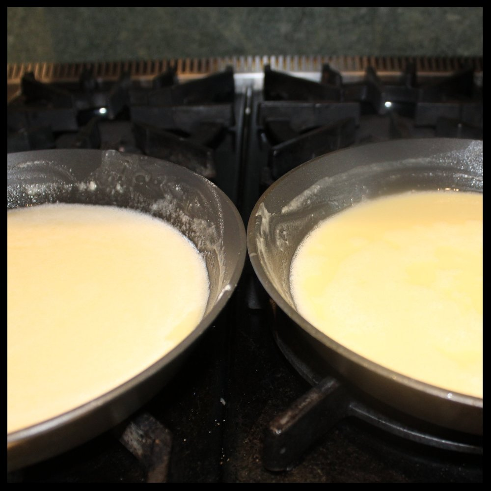 "15 minutes:   The rouxs are equal in color.  At this point, they are called ""white"" roux for obvious reasons.  You could use roux at this point to thicken a white sauce, milk gravy or cheese sauce or a light seafood dish or chowder."