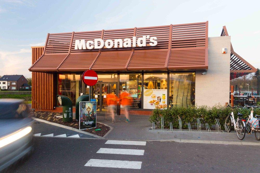 McDonalds-Mol-Alexis-Breugelmans-001.jpg
