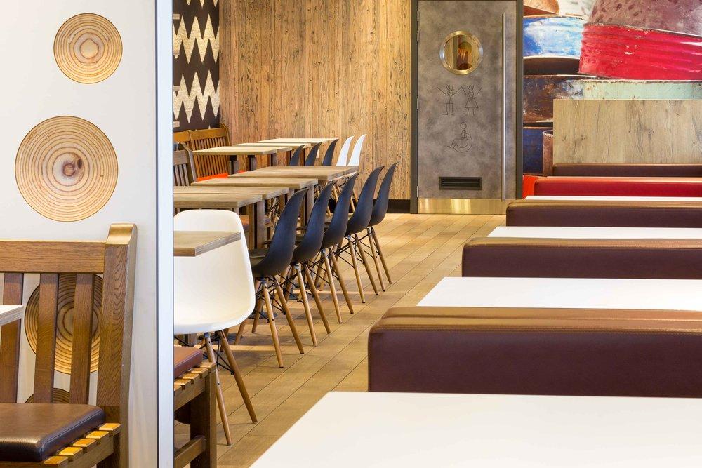 McDonalds-Mol-Alexis-Breugelmans-010.jpg