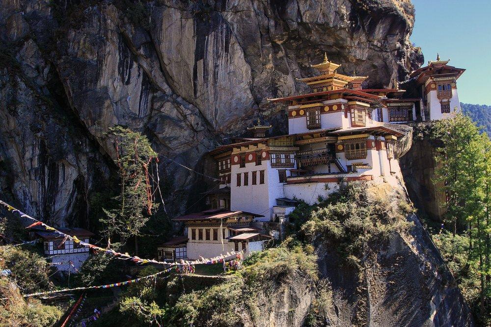 monastery-462604_1920.jpg