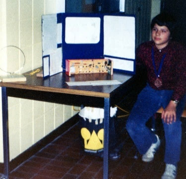 1977 - London Science Fair with my Radio