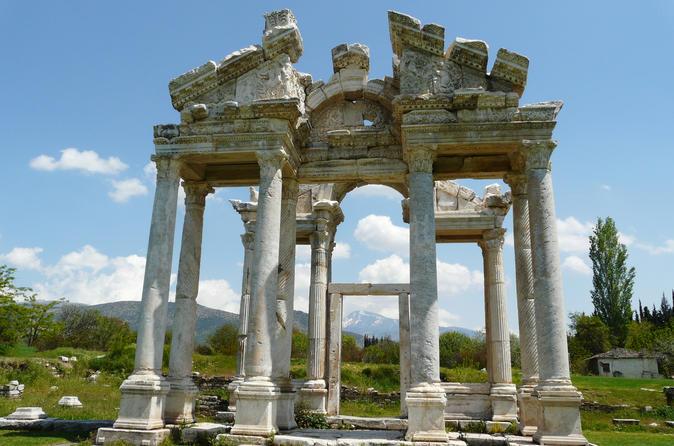 Temple of Aphrodite, Turkey.jpg