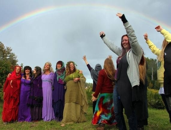 Glastonbury Goddess Conference - July 30-Aug 4 A glowing gathering of Goddesses from all over the world! There will be beautiful rituals, illuminating workshops, a magical bonfire night, performances, an art gallery, and plenty of time to shop the Conference vendors and the metaphysical stores of Glastonbury. An unforgettable Goddess experience in a walkable and convivial town.
