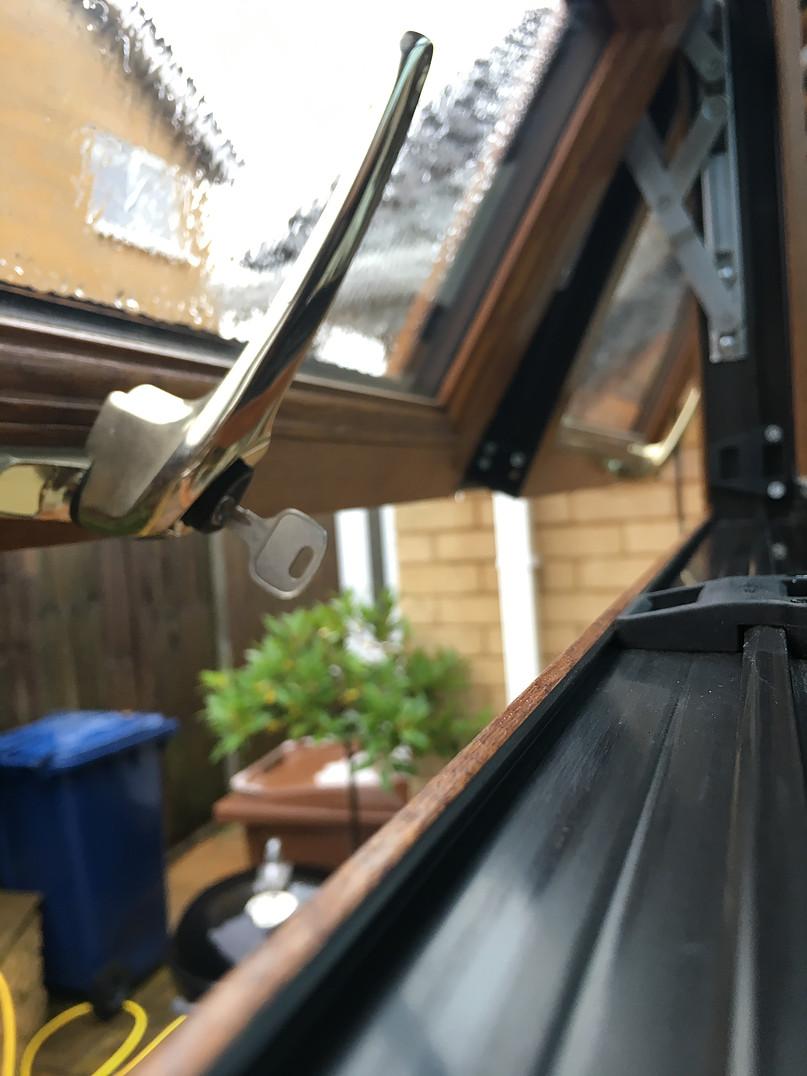 windowsillclean.jpg