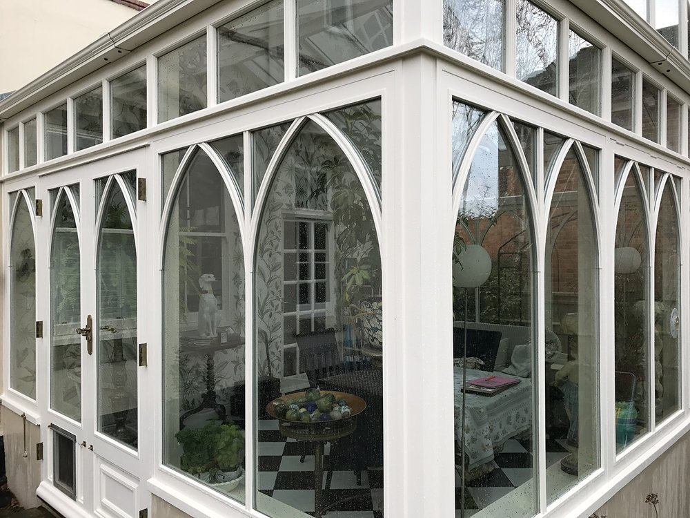 Wood_framed_clean_conservatory.jpg