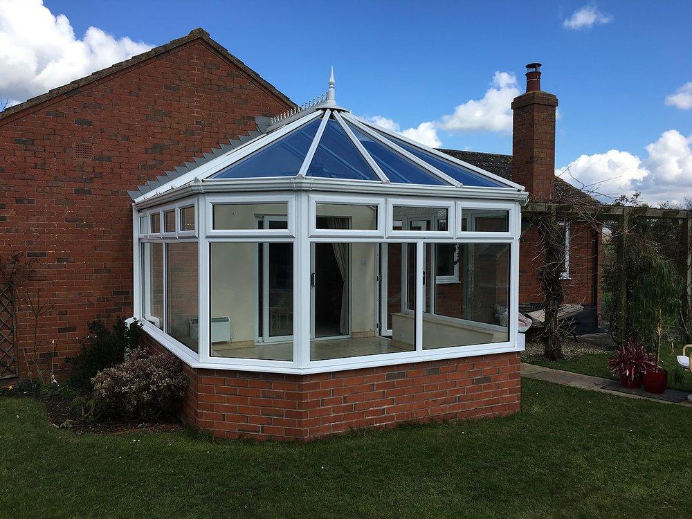 clean_conservatory_Sandhurst.jpg
